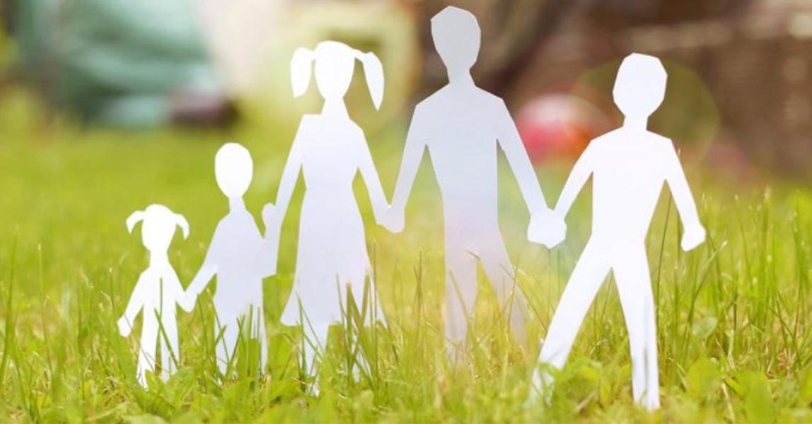 Uitgesneden papieren gezin