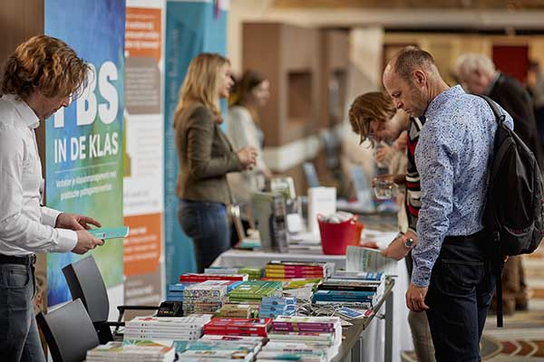 Literatuur bekijken op Van wijk tot wetenschap 2017