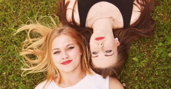 Jonge Vrouwen Vriendinnen574