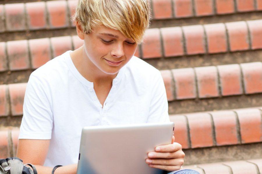 Jongen trap tablet